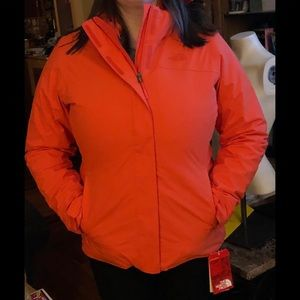 NWT THE NORTH FACE TRICLIMATE  W/LINING & HOOD